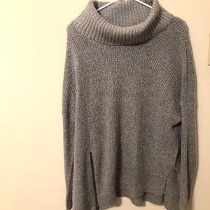 Grey sweater with Zipper